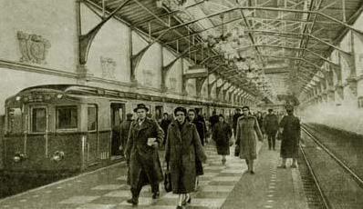 Дальнейшие проекты строительства были отложены во время Великой Отечественной войны.  Осенью 1941 года метро...